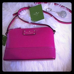 Never used, sweetheart pink crossbody purse💗